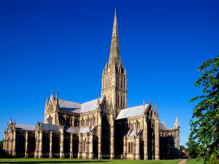 Image – Salisbury Cathedral www.bestvaluetours.co.uk